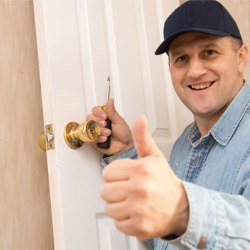 Locksmith Services in 78522
